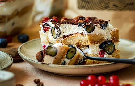 Recept - Tiramisu s jemným krémom a bobuľovitým ovocím